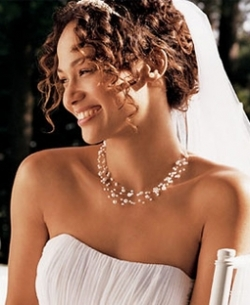 pearl-necklace-wedding