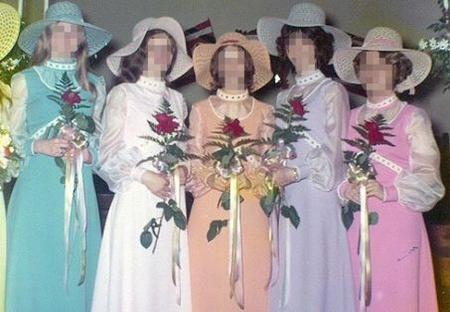 floppy hats and weirdo flowersfloppy hats and weirdo flowers