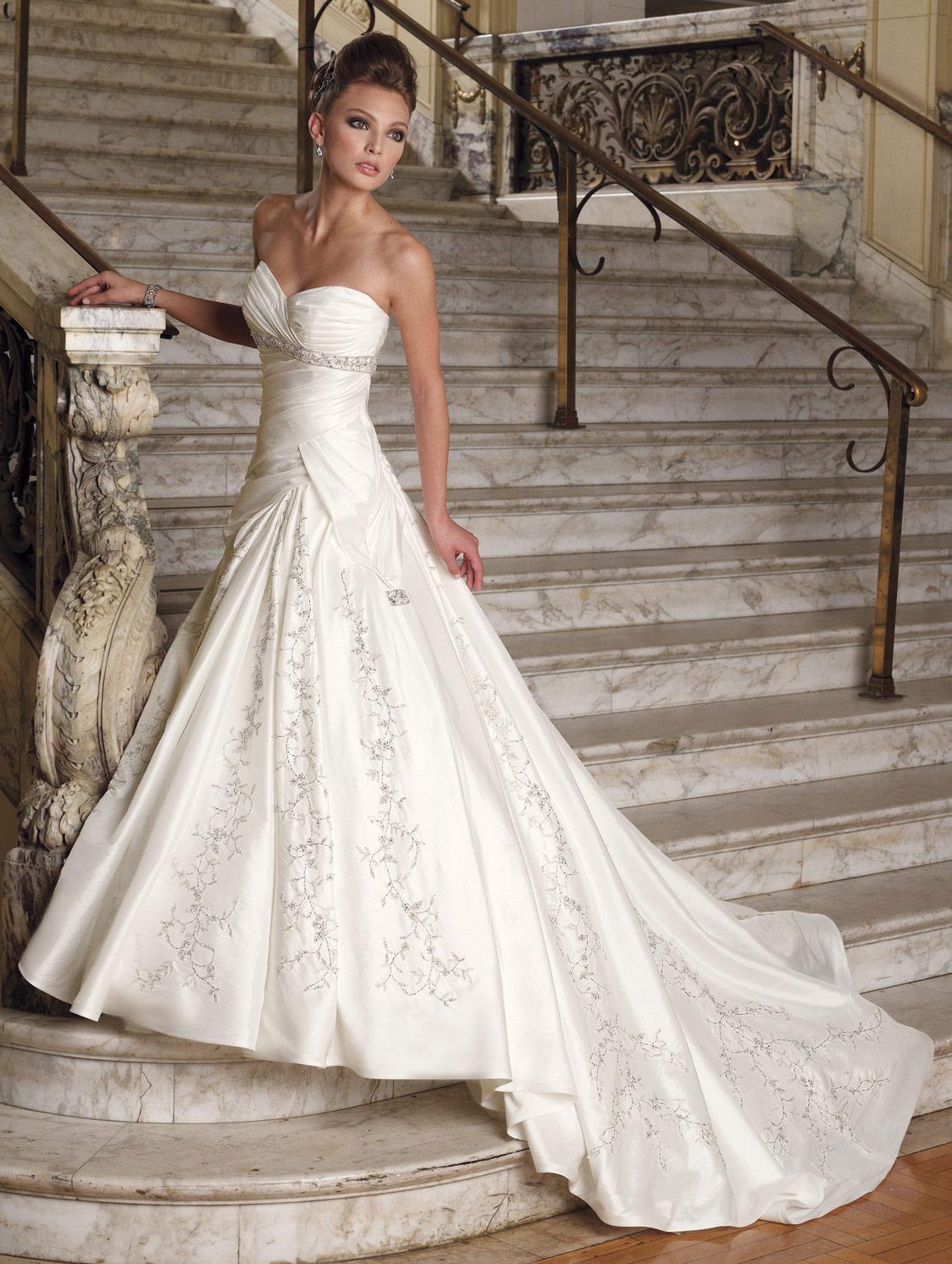 Designer wedding dress mermaid style long white designer wedding dress